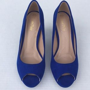 Blue peep toe faux suede shoes